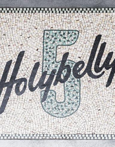 HOLYBELLY_VIGNETTE01